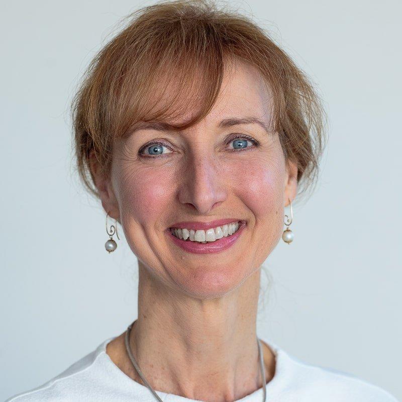 Dr Lotte Hansen B.Sc. (Chiropractic), Cert. DNS Practitioner