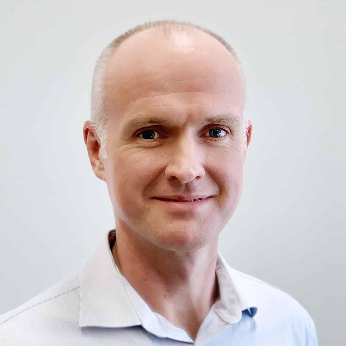 Dr Rory McKnight B.Sc. (Hons) AECC, M.Sc. (Chiro) AECC